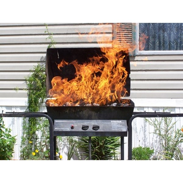 A hot gas grill ranges from 300 to 550 degrees Fahrenheit.