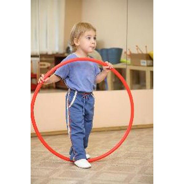hula hoop activities for preschoolers large motor activities for preschoolers using a hula hoop 530