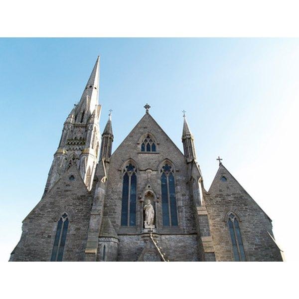 Irish Catholic wedding traditions cover many different topics.
