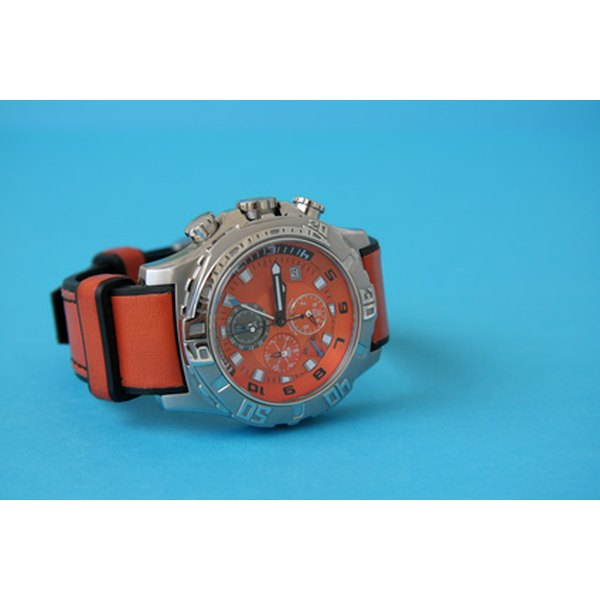 Diving watch with unidirectional bezel