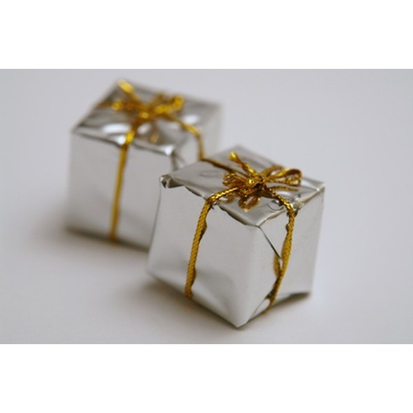give the couple a thoughtful wedding gift - Wedding Gift Ideas