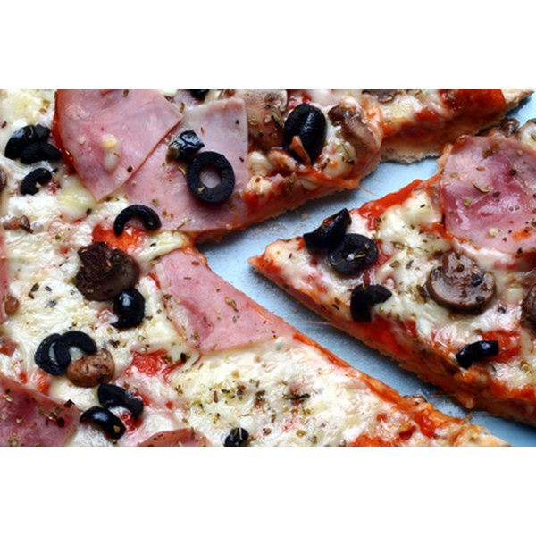 Serve pizza at a casual rehearsal dinner.