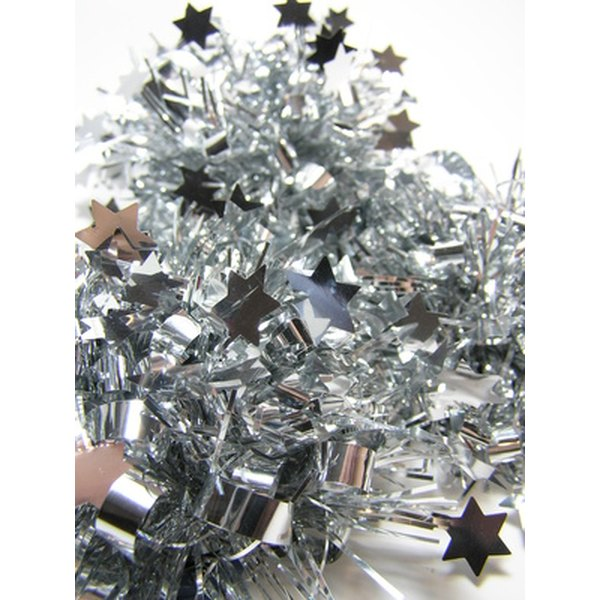 Use silver bows to decorate 25th anniversary gifts.