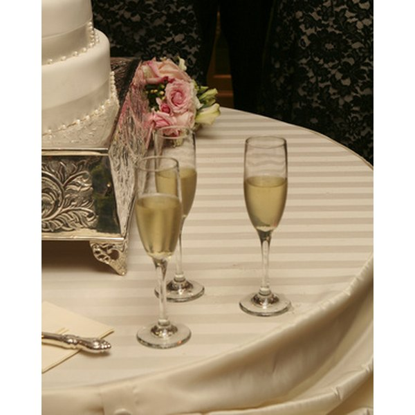 Begin your toast with simple thank yous for the guests and the bride's family.