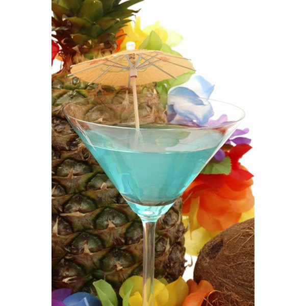 Choose luau invitations that incorporate tropical images.