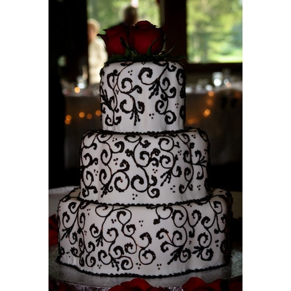Shipping weddnig cakes is possible, but must be done carefully.