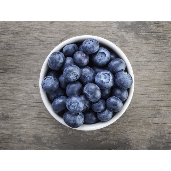 Vitamin-rich blueberries are a great choice for athletes.