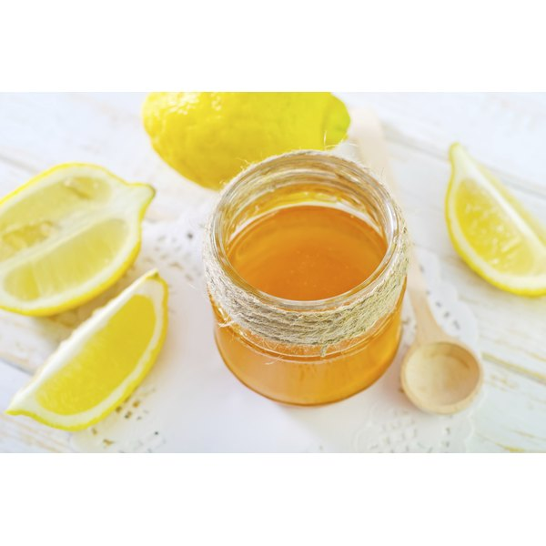 Honey and lemon tonic can be a natural weight loss aid.