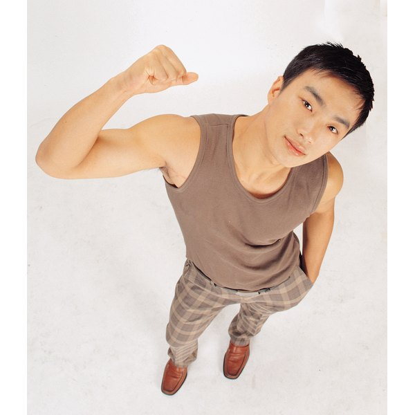 Choose tank tops that are tasteful and fitting for informal occasions.