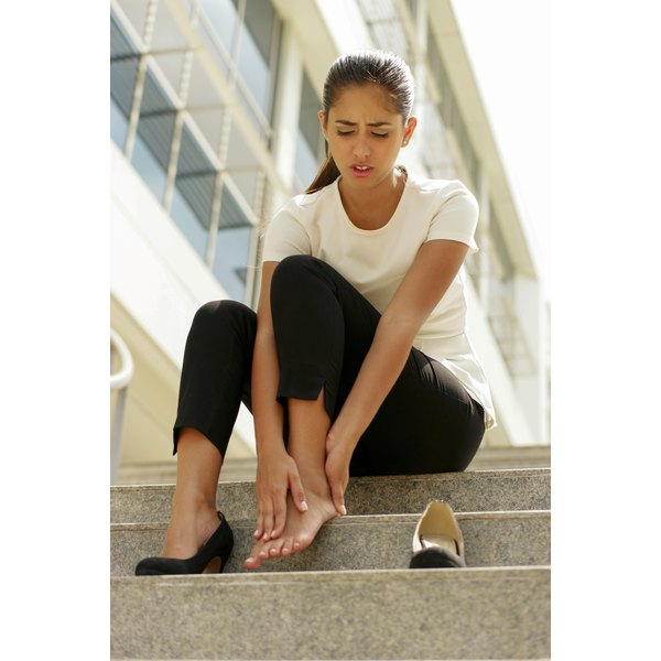 A diet lacking in vitamins B, D or E can lead to foot cramps.