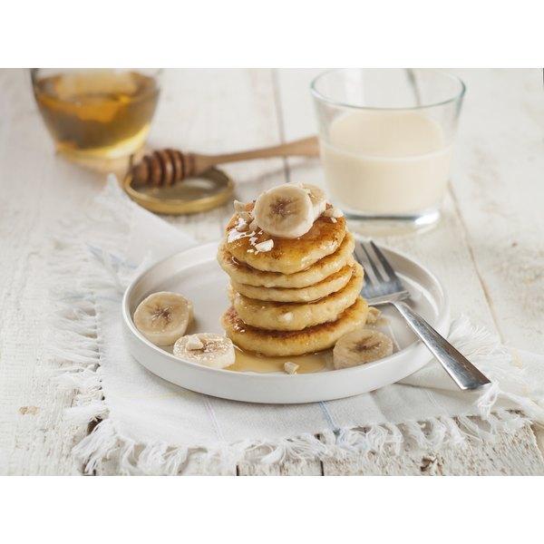 Banana pancakes with honey.
