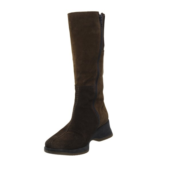 Water can stain suede boots, so you must always use a protector product on them.