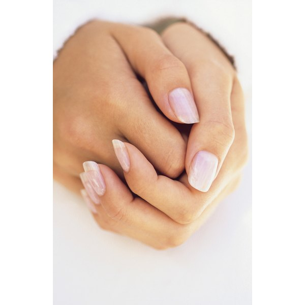 Use Nail Buffer Sanding Blocks To Have Beautiful Looking Fingernails