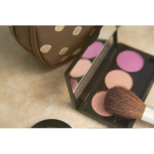 Blush compact with brush