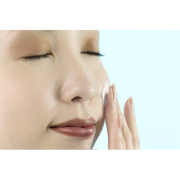 Elizabeth Arden ceramide moisturizer claims to restore youthfulness to skin.