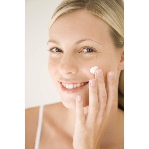 The Nu-Derm Blender works on normal, dry or oily skin.