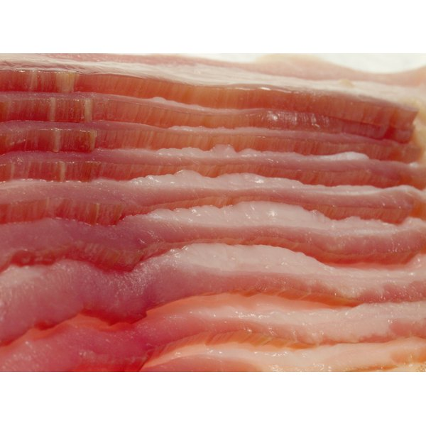 Use thin-sliced bacon to make it easier to weave the slices together.
