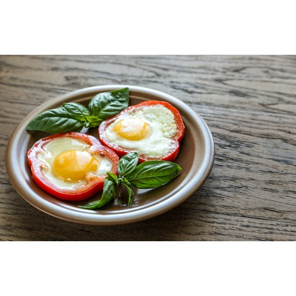 Eggs are a good breakfast option if you want to avoid fiber.
