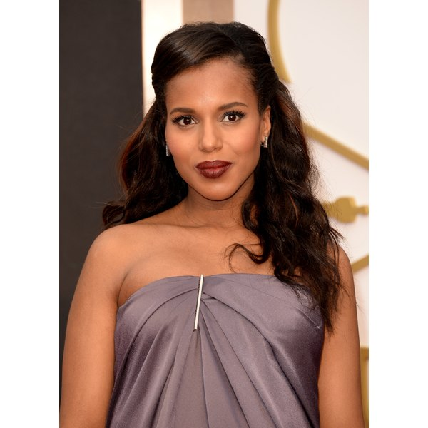 Kerry Washington sports healthy, glossy hair at the Oscars in Hollywood, California, 2014.