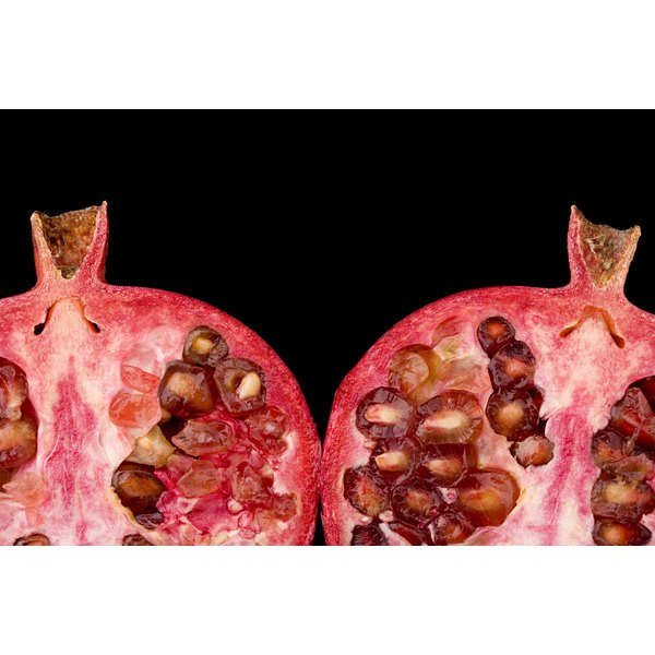 Pomegranates are more nutritious than pomegranate juice.