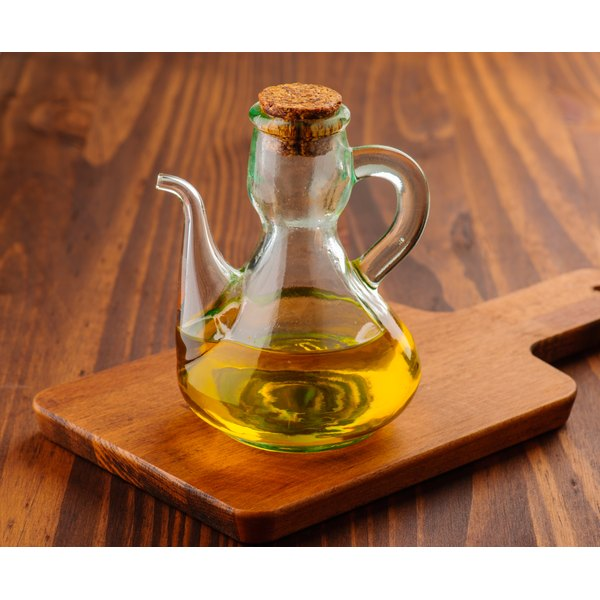 Tea tree oil can be an effective topical treatment against infection.