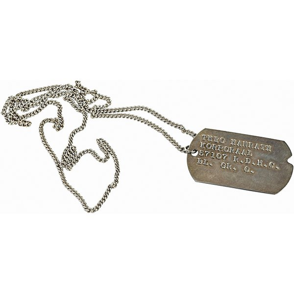Dog tag chains can easily be shortened at home.