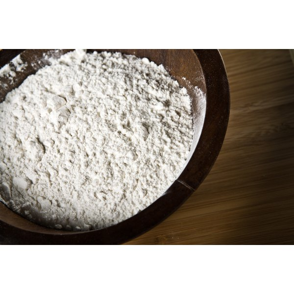 How To Dust A Pan With Flour Our Everyday Life