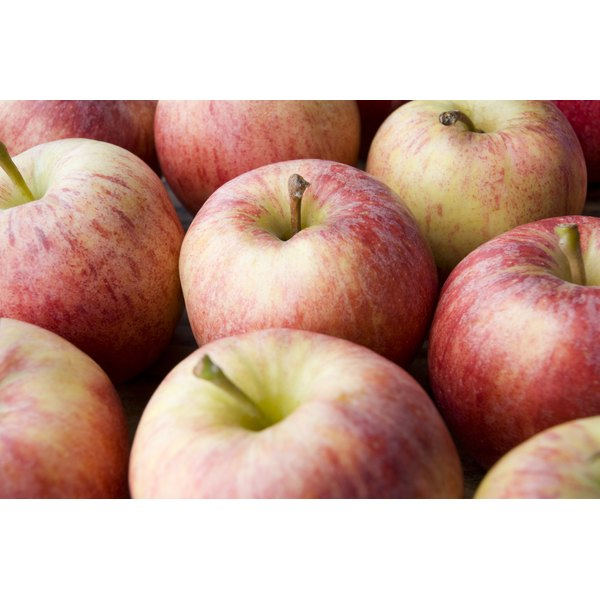 Apples contain malic acid.