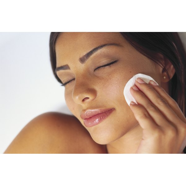 After washing your face, toners help remove dead skin cells and excess oil.
