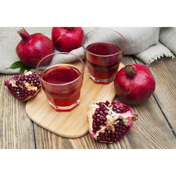 Pomegranate juice with pomegranates.