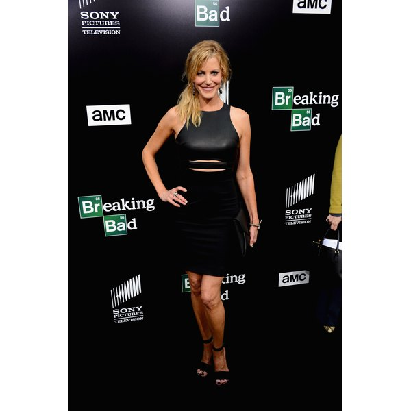"""Actress Anna Gunn rocks a side ponytail covering her ears at the """"Breaking Bad"""" premiere."""