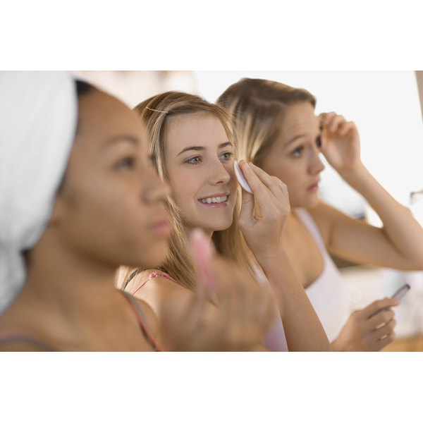 Since their skin is usually oily to begin with, teens should opt for an oil-free foundation primer.