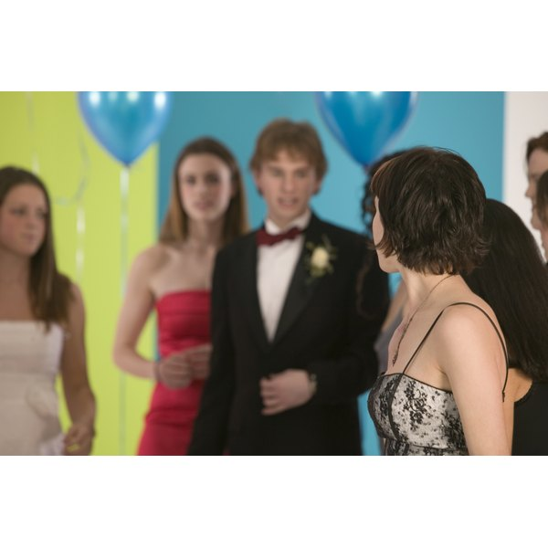 How to Get a Prom Date if Youre Shy & Dont Really Talk