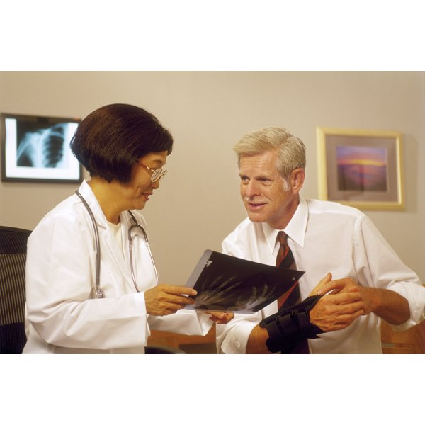 A patient discusses his options of Carpal Tunnel with his doctor.