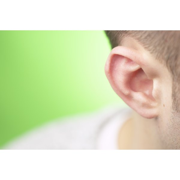 There are seven home remedies to help with tinnitus