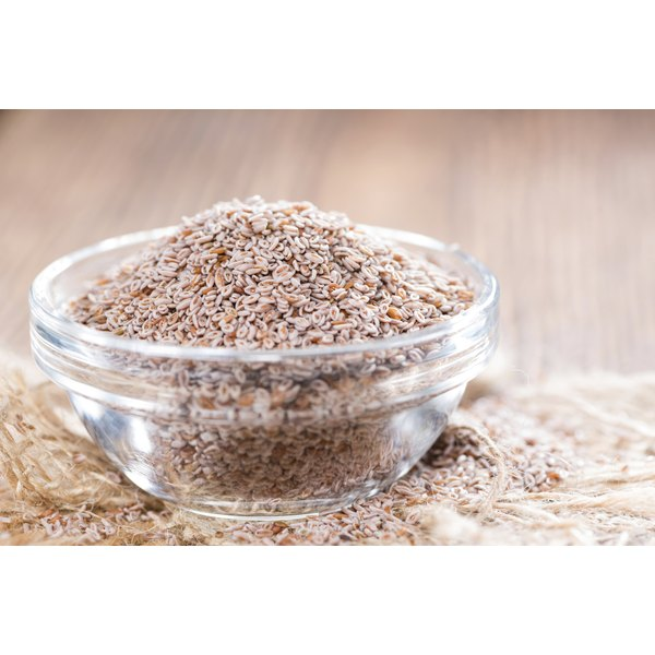 A glass bowl of ground psyllium husks.