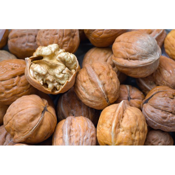 Walnuts are one of the best nuts to eat for arthritis.