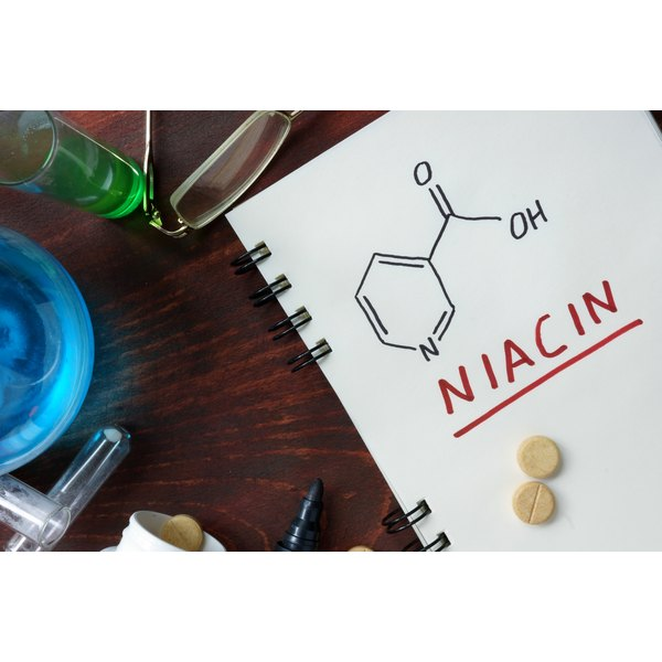 Chemical formula for niacin.