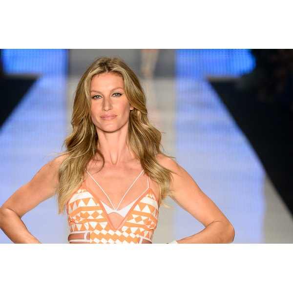 Gisele Bundchen isn't focused on her abs.