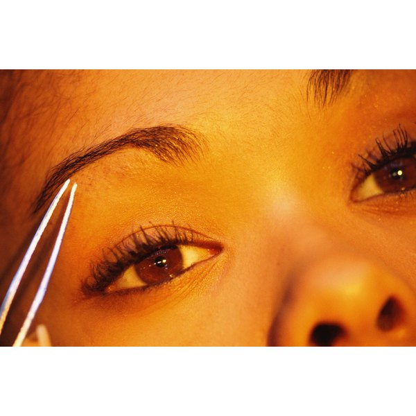 How To Shape Eyebrows Properly Our Everyday Life