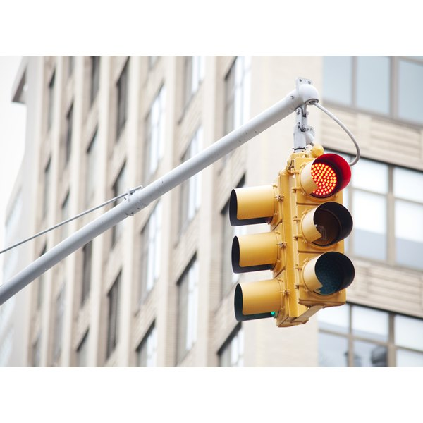 Lantern tests simulate traffic signals and are used most commonly in vocational testing.