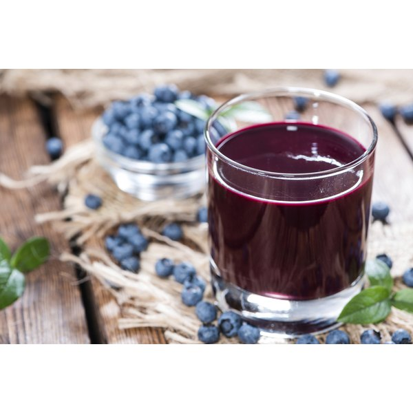 Liquid Flush Diet fluid consists of concentrated extracts from blueberry and other fruit juices.