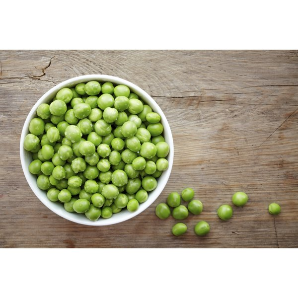 A large bowl of peas.