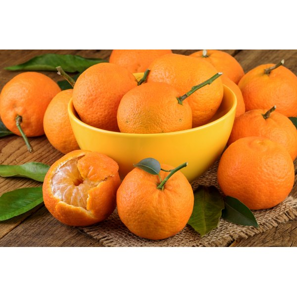 A bowl of vitamin C-rich oranges.