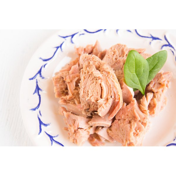 Tuna packed in water is a lean protein.