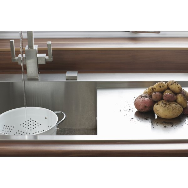 It's not the price that determines a quality kitchen sink, but the materials.