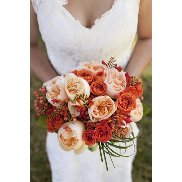 Choose flowers that compliment the season of your wedding.