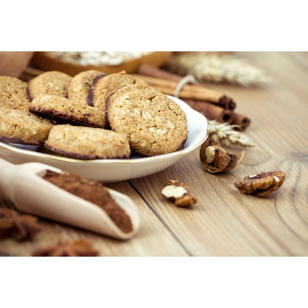 A plate of breakfast cookies with ingredients.