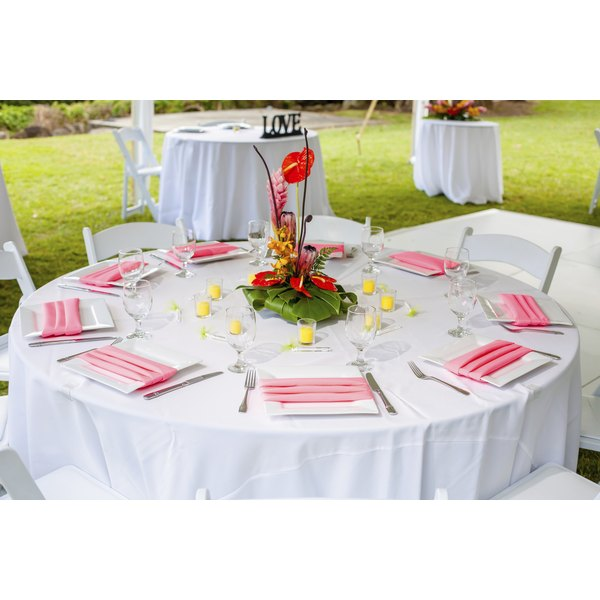 How to decorate a backyard for a wedding reception synonym for Decorated synonym