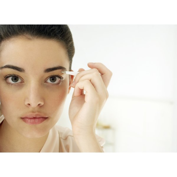 The Pros & Cons Of Waxing A Face